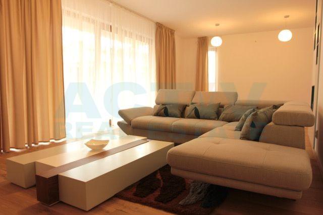 Apartament de lux in vila