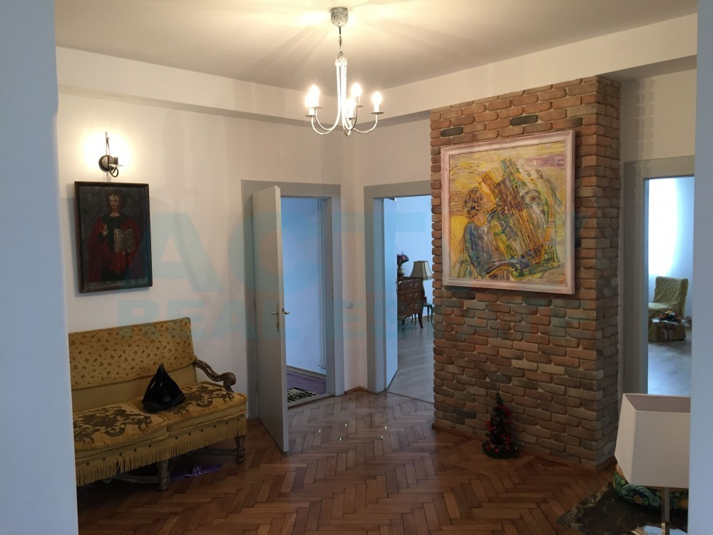 Apartament ultrafinisat-zona Chios